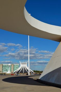 Museu Nacional Honestino Guimarães (1999-2006) - Brasília, DF   Oscar Niemeyer