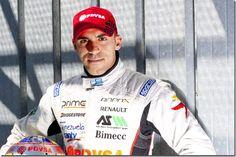 ¡A seguir chocando! Renovarán contrato de Maldonado en la F1 hasta el 2017 - http://lea-noticias.com/2015/08/26/a-seguir-chocando-renovaran-contrato-de-maldonado-en-la-f1-hasta-el-2017/