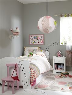 Auf der Suche nach Inspirationen für die Kinderzimmer: endlich mal kein Zimmer für eine Prinzessin ;) Und das Huhn an der Wand hat es mir persönlich seeehr angetan.