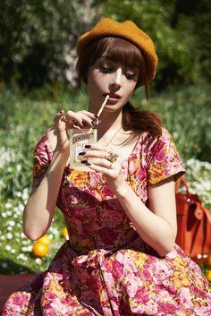 Le Déjeuner sur l'Herbe | Miss Pandora - Louise Ebel