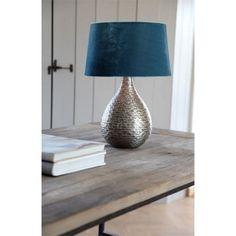 """Lampenschirm in Petrolfarben - für Leuchten mit purer Individualität! Der Lampenschirm """"Velvet"""" ist mit einer Breite von ca. 45 cm ein besonderer Blickfang. Die Gestaltung in Petrolfarben ist ebenso freundlich wie modern. Das hochwertige Textil vermittelt echte Strapazierfähigkeit. Entdecken Sie bei uns auch das passende Schnurpendel und ein E27-Leuchtmittel, damit Ihr Zuhause in hellem Licht erstrahlt!"""