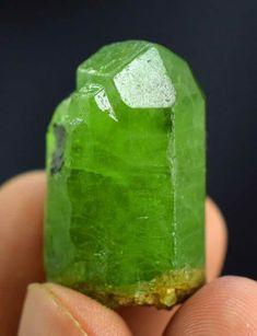 Peridot Crystal , Olivine Peridot Crystal from Sapat Pakistan - 22 Gram , 30*20*17 mm - Minerals Paradise