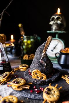 Cheese Witches hat with poppy seeds and pomegranate trim Healthy Halloween, Halloween Dinner, Halloween Celebration, Halloween Entertaining, Halloween Table, Spooky Treats, Halloween Treats, Diy Halloween, Halloween Foods