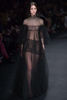 Valentino Fall 2015 Ready-to-Wear Fashion Show - Clémentine Deraedt