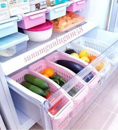 Fridge organizer organization Organization of refrigerator organizersFridge organizer organization Who eats all these clever ways to organize tupperware and food storage containers – convenient and practical kitchen storage design Refrigerator Organization, Kitchen Organization Pantry, Home Organisation, Diy Kitchen Storage, Diy Organization, Diy Storage, Organized Fridge, Organized Home, Home Storage Ideas