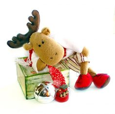 Stuffed reindeer stuffed toy christmas by Fairybugcreativetoys Holiday Gift Guide, Holiday Gifts, Stuffed Toy, Imaginative Play, Fabric Dolls, Softies, Reindeer, Kids Toys, Baby Kids