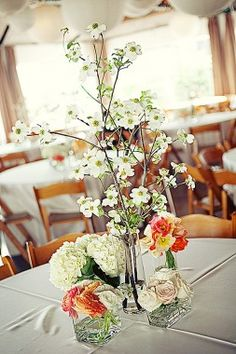 25 Beautiful Table Centerpieces That Are Perfect For Welcoming Spring Into Your Home Potted Plant Centerpieces, Floral Centerpieces, Table Centerpieces, Floral Arrangements, Centerpiece Ideas, Spring Wedding Centerpieces, Wedding Decorations, Table Decorations, Wedding Ideas