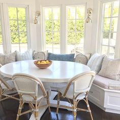 Breakfast Nook with White Table. Breakfast nook white table and Serena and Lily French Bistro Chairs in Fog. Kitchen Table Chairs, Kitchen Nook, Table And Chairs, Table Bench, Kitchen Ideas, Kitchen Seating, Design Kitchen, Bench Seat, Wood Chairs