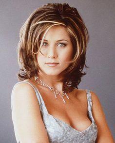 Der Fransenschnitt war in den 90ern Jennifer Anistons Markenzeichen. Seit…