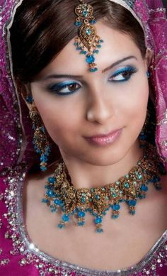 ideas for eye makeup bridal indian desi bride Bridal Makeup Pictures, Bridal Eye Makeup, Wedding Day Makeup, Indian Bridal Makeup, Asian Bridal, Bridal Beauty, Bride Makeup, Wedding Hair, Desi Bride