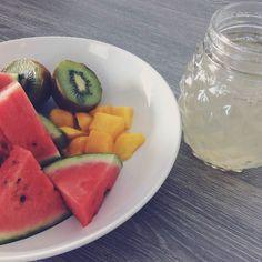 Petit déjeuner estival ! First days of summer  #yummyfood #healthy #fruit #breakfast #instagood #summer #instafood #goodmorning #ann