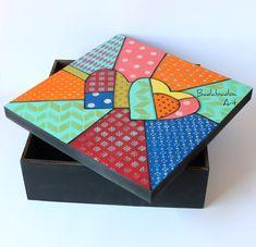 Gift Hampers, Diy Box, Dot Painting, Wood Boxes, Ravelry, Cube, Decoupage, Pop Art, Mosaic