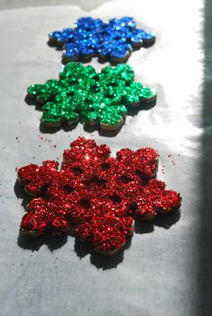 Make Your Own Glitter Ornaments - my kids had so much fun making these!