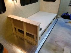 Ideas for building your own DIY sleeper sofa or daybed for custom wood furniture that adds comfortable seating, sleeping space, and storage to your RV. Daybed Couch, Mattress Couch, Diy Couch, Sofa Beds, Sleeper Sofa, Couches, Custom Wood Furniture, Furniture Logo, Bed Furniture