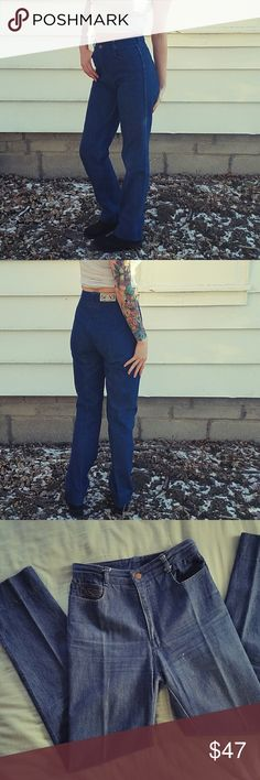 Vtg Jag High Waist Jeans Sweet Vintage Australian Denim!  Tag is vintage size 10, fits a modern size 4.  Excellent condition, no defects. Slim straight fit  A little stretch, and very comfortable.   Tags Mom Jeans wedgie pants boyfriend fit flare 70s Australia grunge punk rock alternative lolita hipster hippie Jag Jeans Jeans