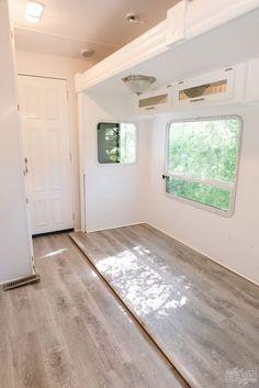 Installing Vinyl Plank Flooring, Diy Flooring, Camper Flooring, Diy Camper, Camper Life, Rv Life, Travel Trailer Remodel, Camper Makeover, Camper Renovation