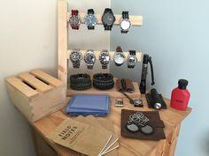 Homemade watch stand to tidy edc items. diy часы, органайзер и мебель. Wood Projects, Craft Projects, Projects To Try, Crafts For Teens, Diy And Crafts, Watch Storage, Good Day Song, Breakfast For Kids, Organizer