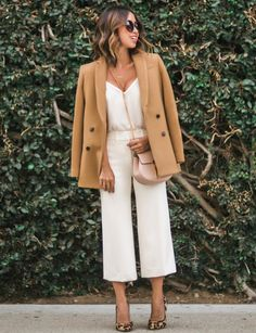 Lace and Locks pairs our camel double-breasted blazer with a cream camisole and culottes for an effortlessly chic street style look Lunch Outfit, Outing Outfit, Today's Outfit, White Culottes Outfit, White Jumpsuit, Coulottes Outfit, Camel Blazer, Beige Blazer, Effortlessly Chic Outfits