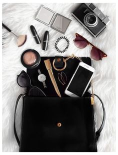 Photography Bags, Flat Lay Photography, Jewelry Photography, Flatlay Makeup, Flatlay Styling, Fashion Flatlay, Travel Flatlay, Ideas Fotos Instagram, Flatlay Instagram