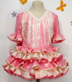 Traje de gitana batista rosa con lunares bordados Little Girl Dresses, Little Girls, Girls Dresses, Fashion Dresses, Ruffle Blouse, Plus Size, Clothes, Tops, Women