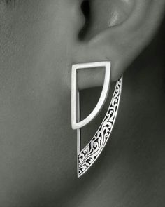RATU EAR JACKETS | AVAILABLE ON WWW.DVIBHUMI.COM STERLING SILVER STATEMENT EARRINGS | GEOMETRIC EARRINGS | DETAIL