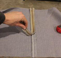 DIY Pouf Ottoman Cube - place your zipper face-down