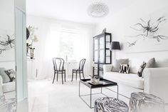 Black and white city apartment Black And White City, Chicago Apartment, Living Room Inspiration, Small Living, Sweet Home, Minimalist, Chair, Scandinavian, Modern
