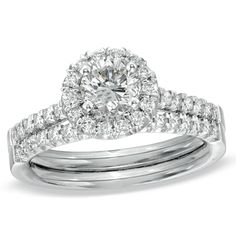 LOVE this ring and it actually comes in a size 4!!! From  Zales | ARB
