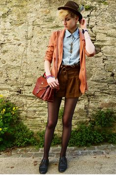 La Nausée. - The convincing outfit ideas that make me want paperbag shorts/skirts.