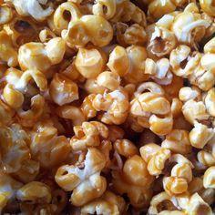 Caramel popcorn (salted butter) as in the cinema (but cheaper . Easy Vanilla Cake Recipe, Easy Cake Recipes, Sweet Recipes, Snack Recipes, Dessert Recipes, Cooking Recipes, Popcorn Au Caramel, Sweet Popcorn, Pop Corn Caramel