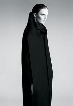 Sleek Black Coat - minimalist tailoring, bold simplicity, minimal fashion // Tanne Maria Vinter