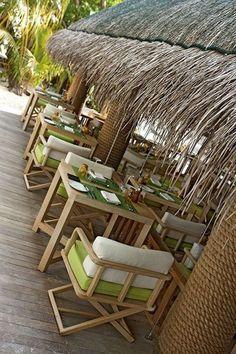 Beach Restaurant Design, Deco Restaurant, Restaurant Lighting, Cafe Design, Rustic Design, Outdoor Restaurant Design, Restaurant Interior Design, Beach Bars, Tropical Houses