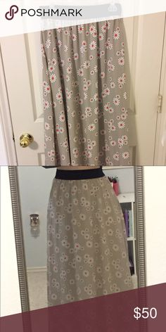 Lula Roe Maxi Skirt Super soft Lula Roe Maxi! Never worn, but it has been washed. Just not my style, and it's too long for me. LuLaRoe Skirts Maxi