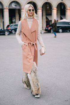 Part Buro Paris Fashion Week 2016, Best Model, Fashion Outfits, Womens Fashion, Get Dressed, Duster Coat, Bomber Jacket, Leather Jacket, Street Style