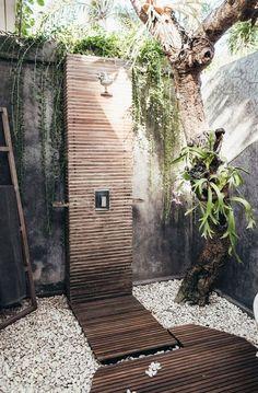 Pool Shower, Garden Shower, Beach Shower, Outdoor Bathrooms, Outdoor Showers, Small Backyard Landscaping, Sloped Backyard, Pool Backyard, Backyard Retreat