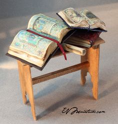 EV Miniatures: Medieval Illuminating desk Commission >> this is so neat! So tiny.. the illuminations are quite detailed.