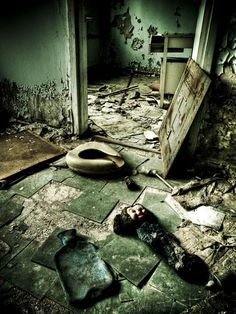"""This hospital received many of Reactor 4′s first victims for treatment immediately after the explosion at Chernobyl. The hospital itself however was already exposed to huge amounts of radiation.    Every rescue worker who attended the initial explosion was killed by radiation poisoning."""""""