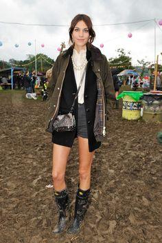 La mannequin britannique Alexa Chung ne quitte plus sa veste Barbour et contribue au rajeunissement de l'image de la marque