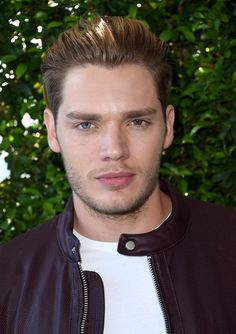 Dominic Sherwood attends Teen Choice Awards 2016 at The Forum on July 2016 in Inglewood, California. Dominic Sherwood Shadowhunters, Shadowhunters Series, Christian Ozera, Clary E Jace, Jace Lightwood, Jamie Campbell Bower, Matthew Daddario, Clace, Cute Actors