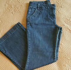 WOMENS Dark Denim Flare Jeans Comfy Jeans. Missing one button on left rear pocket. New York & Company Jeans