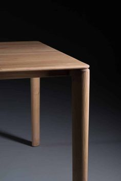 Artisan - Tisch Neva Timber Table, Wooden Dining Tables, Custom Made Furniture, Furniture Design, Diy Storage Coffee Table, Plywood Table, Wood Table Design, Wood Detail, Table Furniture