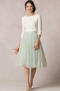 Romantik Midi Rock in mintgrün. Festlich und sommerlich. Modest Fashion, Midi skirt, mintgreen. Very festive, still summery.