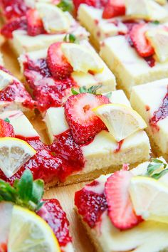 Look at this recipe! Lemon Strawberry Cheesecake Bars , Lemon Strawberry Cheesecake Bars (heart_this) · June 2016 · 10 comments Creamy lemon cheesecake bars with strawberry swirls! Lemon Cheesecake Bars, Cheesecake Recipes, Dessert Recipes, Pastry Recipes, Meat Recipes, Yummy Recipes, Dinner Recipes, Lemon Desserts, Just Desserts