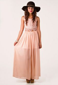 pretty peach maxi dress with crochet top and waist cut outs. Backless and perfectly paired with large round hat.