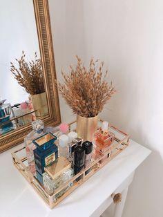 Glamour Decor, Room Ideas Bedroom, Home Decor Bedroom, Perfume Organization, Perfume Storage, Top Of Dresser Organization, Makeup Storage Organization, Cosmetic Storage, Perfume Display