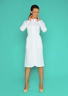 Халат 2.69 Б Dental Uniforms, Work Uniforms, Nursing Clothes, Nursing Dress, Ankara Gown Styles, Medical Design, Womens Scrubs, White Dress, Womens Fashion