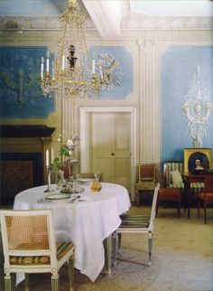 The World of Interiors, November 2009. Photo - Fritz von der Schulenburg