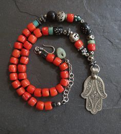 Hey, I found this really awesome Etsy listing at https://www.etsy.com/listing/267545491/silver-hamsa-necklace-with-antique