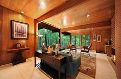 Highland Park Midcentury Modern Ranch Perched on Ravine Asks $848K - Curbed Chicagoclockmenumore-arrow : This 1950 Richard Barancik and Conte-built home feels like a treehouse