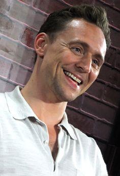 Tom Hiddleston at Nerd HQ 2016 - SDCC. Source: maichan808.tumblr. http://maryxglz.tumblr.com/post/147951135477/maichan808-tom-hiddleston-nerd-hq-2016-it
